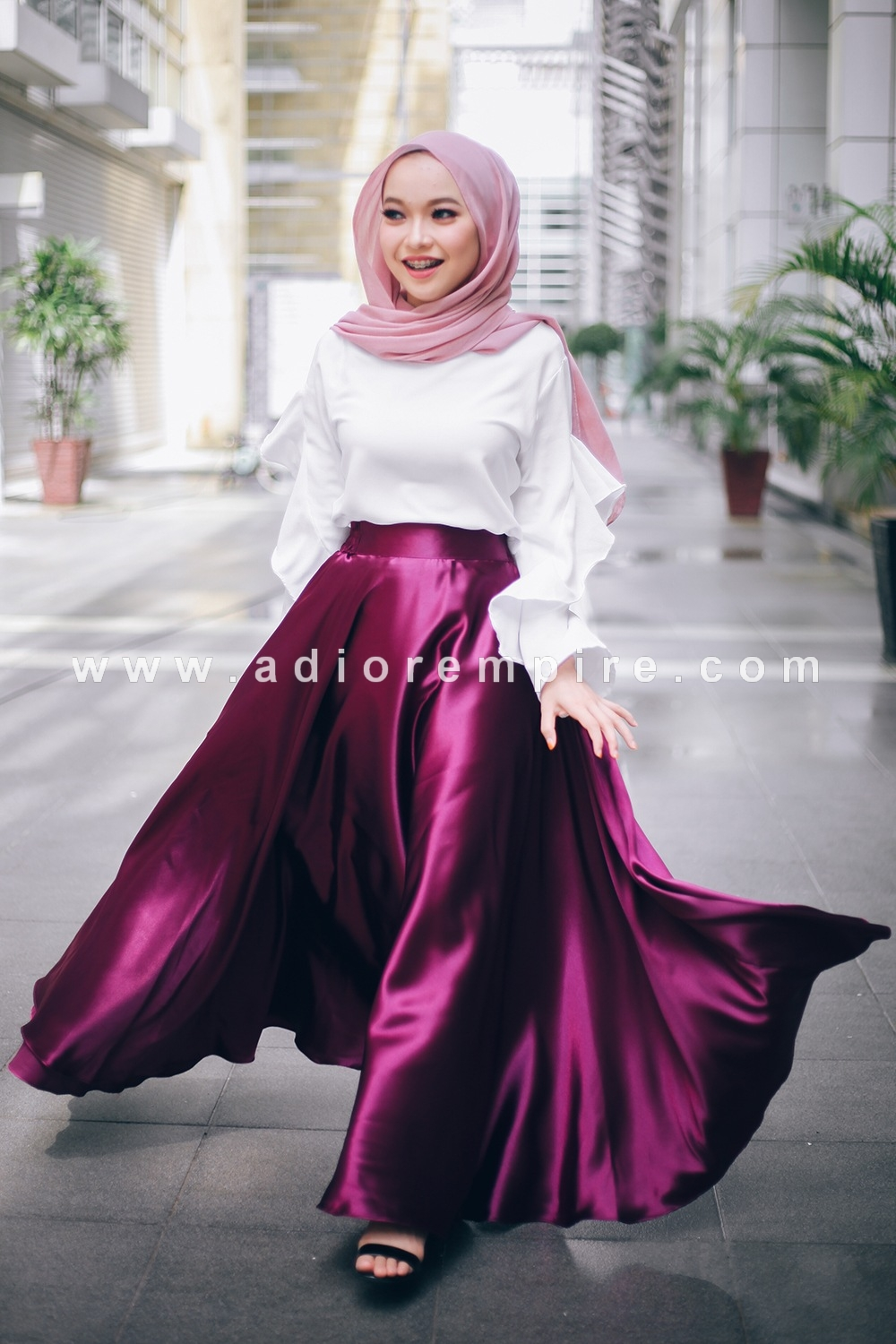 22cda22426 Home » Adior Basic Satin Flare Skirt - Magenta. SALE. Click Image for  Gallery